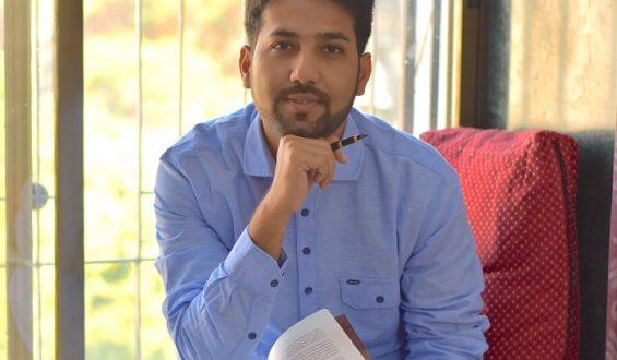 Poet Prashant Bebaar's debut book 'Dareeche' launched by music maestro Anup Jalota